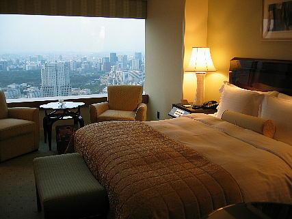 04_01_bedroom1.jpg