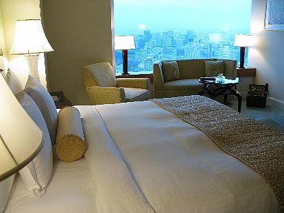 04_01_bedroom2.jpg