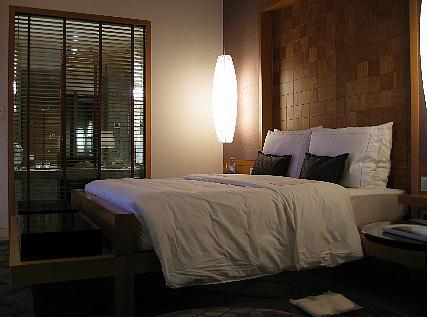 05_22_bedroom.jpg
