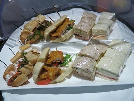 palace_tyo2_lounge_afternoon_sandwich.jpg